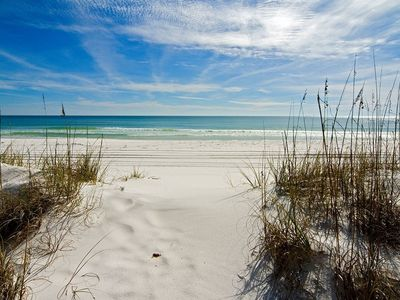 Photo for 3bedrooms/2baths,cozy Home 5 Miles From Siesta Key Beach