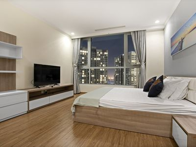 Photo for 3BR Central 3 CITY VIEW in Vinhomes Central Park