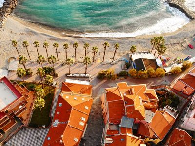 Photo for Accommodation with terrace 20 meters from the sea