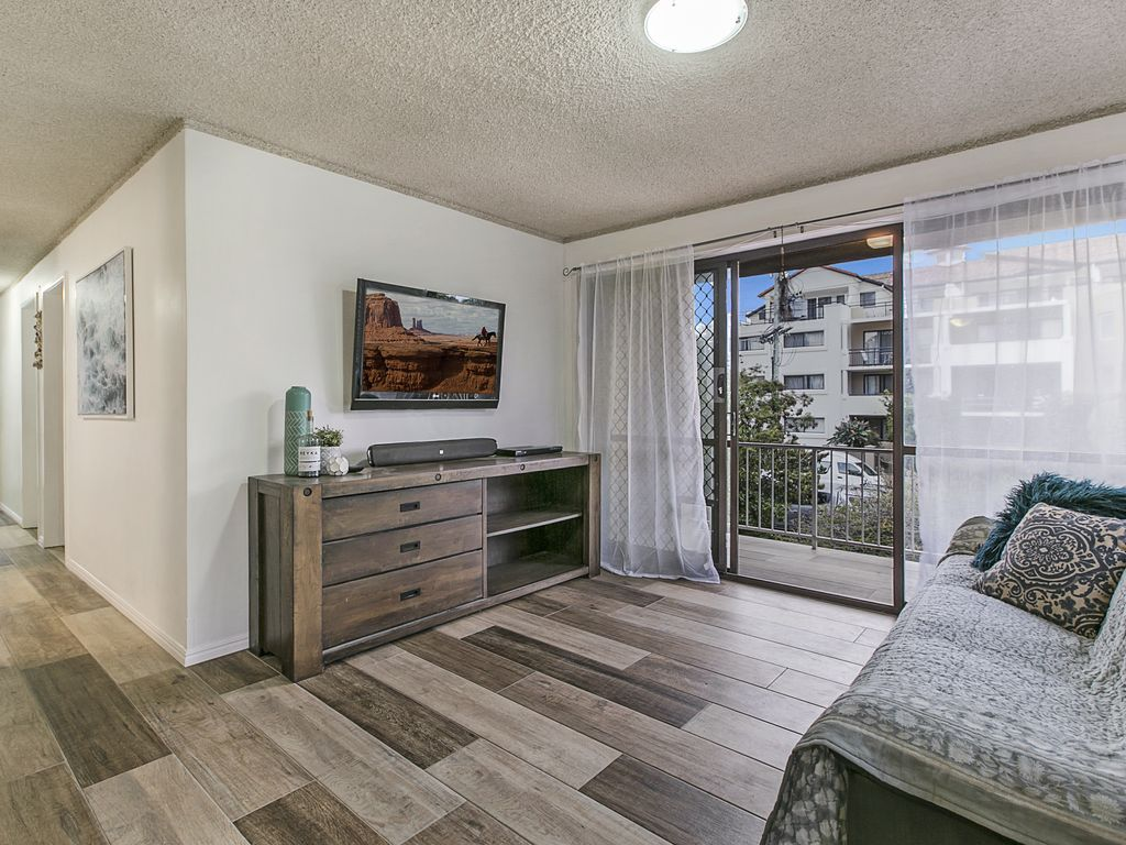 Family friendly Gold Coast unit across from the beautiful Broadwater
