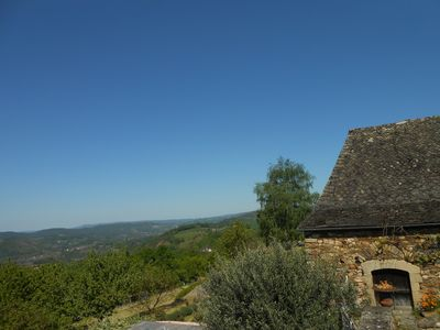 Photo for Character house with pool overlooking the Dordogne valley