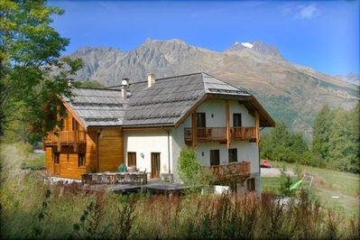 Catered Chalet AlpeLune in summer (in the back: glacier Pelvoux!)