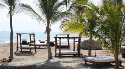 Complementary Beach beds at the resort