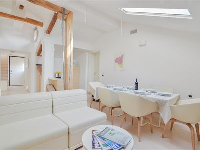 Photo for Fulcanelli - Marvelous 3bdr in the center Palazzo Banchi