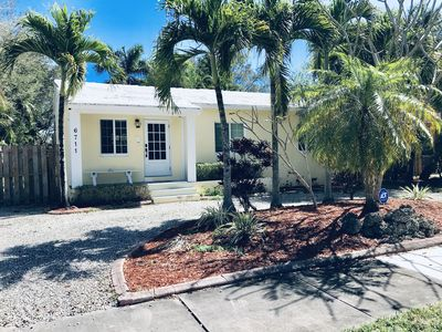 Photo for Charming 3BR/1BTH home near Dadeland Mall