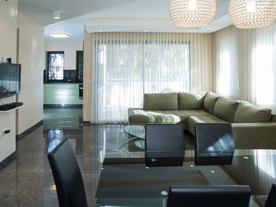 Photo for THE SAPPHIRE - ELEGANT CENTRAL 2 BR