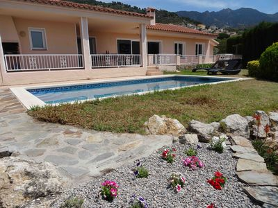 Photo for Beautiful charming villa / quiet / large pool / panoramic sea view Bay of Roses