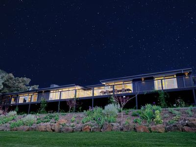 Photo for 3BR House Vacation Rental in Red Hill, VIC