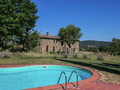 Photo for Apartment in a rustic house in the Tuscan hills, 20 minutes from the sea