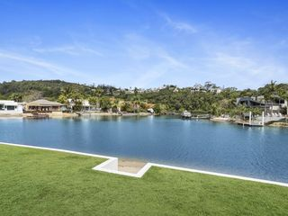 SERENITY IN NOOSA - WATERFRONT HOME
