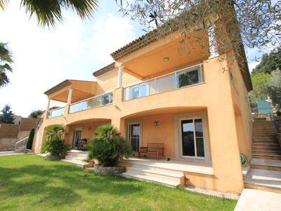 Photo for Architect house on the heights of Golfe Juan 240m2 8personnes