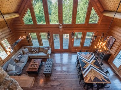 Photo for 💕❤️💝A Romantic Getaway🎉🌈⭐️🌙 Spa/Log Cabin/Nature🍾🎊🌲