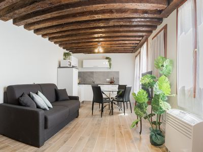 Photo for Venice Luxury Palace 4 - Apartment for 4 people in Venice