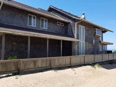 Beautiful Beach Front Home Located Near Haystack Rock