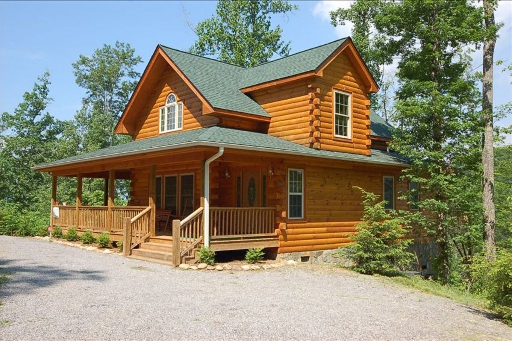 Like new log cabin with views of the smoky homeaway for Vacation log homes