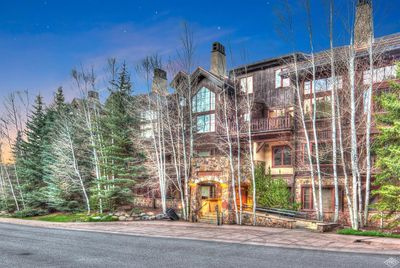Aspenwood Lodge features ski-in convenience in the heart of a golf community!