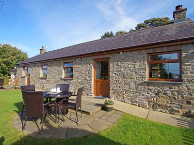 Photo for Yr Onwydden - Two Bedroom House, Sleeps 4