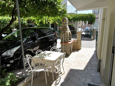 Photo for Two bedroom apartment with terrace and sea view Podgora, Makarska (A-2623-a)