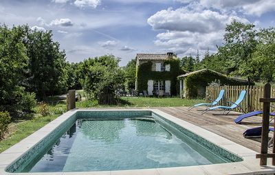 Photo for Authentic Provencal stone house on 1.5 acres of land, facing the Luberon