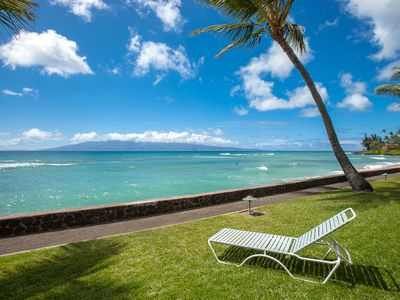 Photo for Incredible view. Cozy deluxe one bedroom. Direct ocean front