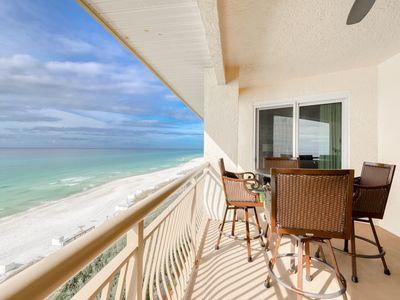 Photo for Oceanfront resort rental w/ private balcony, lagoon pool, hot tub, & Gulf views