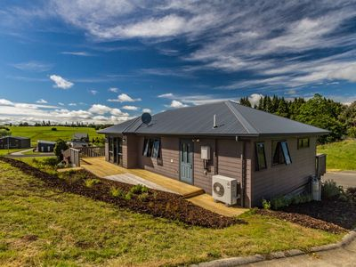 Photo for Kowhai Heights - Ohakune Holiday Home
