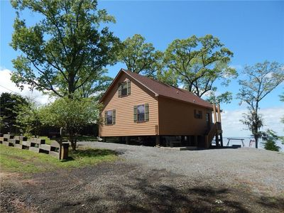 Photo for Hooked On Toledo - Lakefront Cabin on Toledo Bend with Boathouse