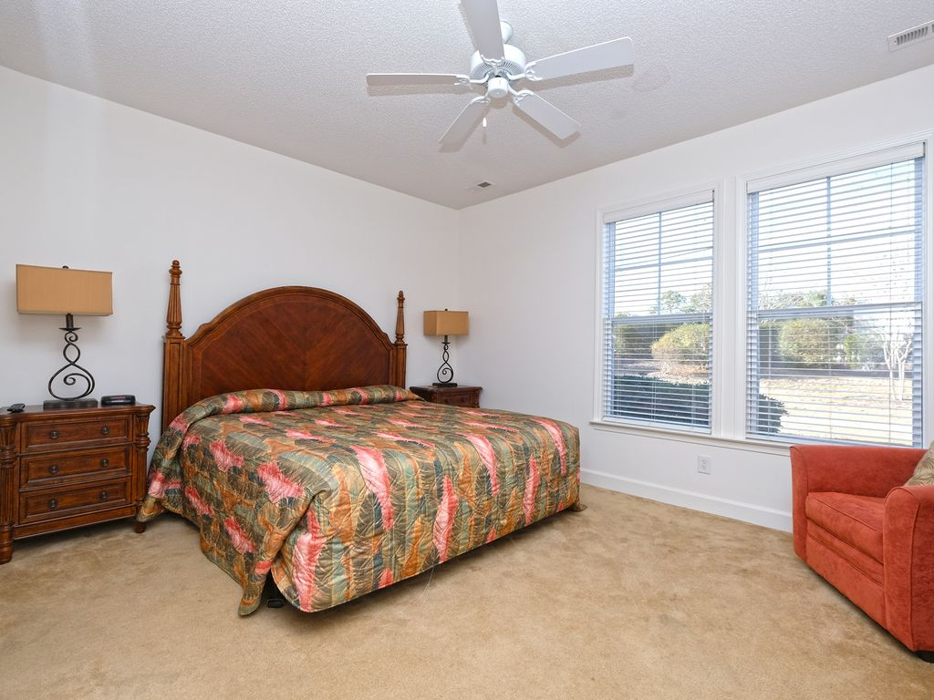 Beautiful Three Bedroom Town Home Conveniently Located At Barefoot Resort North Myrtle Beach