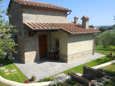 Photo for Nice apartment with A/C, WIFI, private pool, TV, pets allowed, parking, close to Montepulciano
