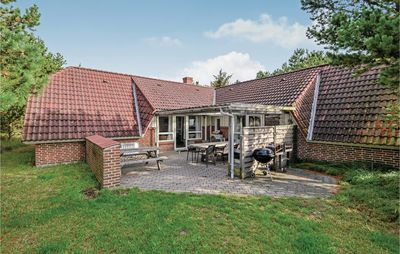 Photo for 8 bedroom accommodation in Fanø