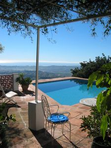 Photo for 2 bedroom villa with swimming pool, breathtaking view, lush greenery. 4 pers