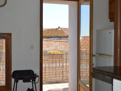 Photo for Desirable 2nd floor town house apartment, sleeps 4. Roof terrace and parking.