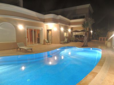 Photo for Villa With Sea View, Pool without vis-à-vis And House Staff