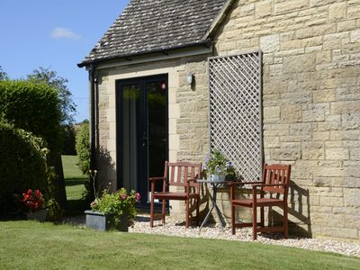 Photo for Lovely 1 Bed Apartment in quiet Cotswolds village