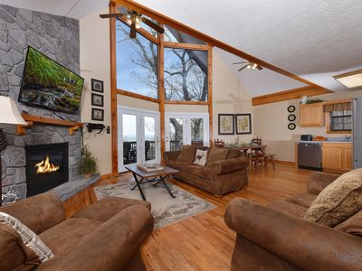 Photo for Peekin' Over Pigeon Forge - 3BR/3BA - Sleeps 10