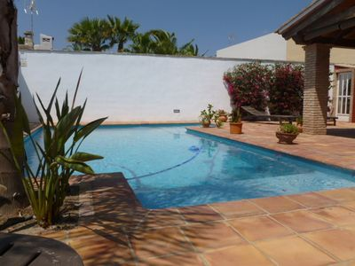 Photo for Villa with pool and garden 6 people