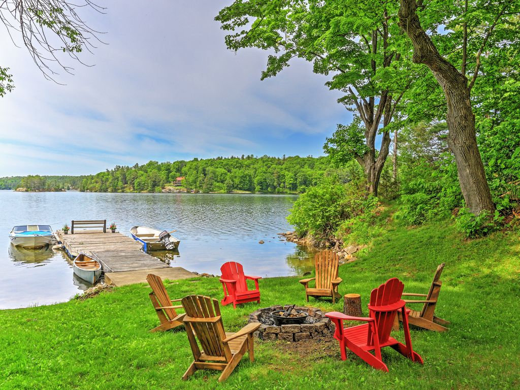 5br lyndhurst cottage w lake access seeley 39 s bay for Ontario canada fishing resorts