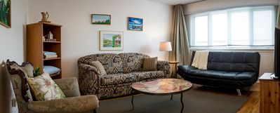 Photo for Montreal, 2 bedroom apartment next to Airport + Free Parking
