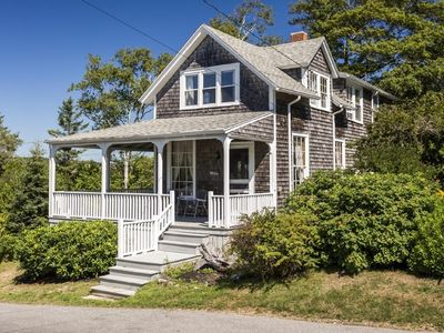 Photo for Darling Rustic Ocean Point Cottage