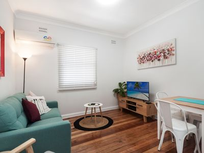 Photo for Unit 2 - Osborne walk to the Wollongong CBD