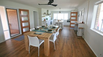 Photo for BLUE POOL HIDEAWAY: 7 Scenic Drive- Renovated & close to beaches, cafes & shops.