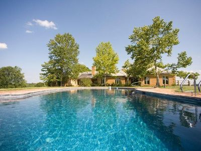 18-Person House with Pool on Spectacular Rural Estate w/ Hot & Pool