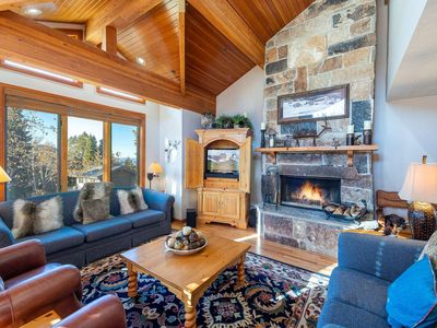 Photo for *New Listing* Great For Families–3 King Beds+Bunk Beds, Hot Tub, 5 Min Walk to Skiing & Silver Lake