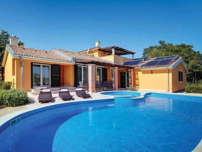 Photo for 4 bedroom Villa, sleeps 8 in Režanci with Pool, Air Con and WiFi