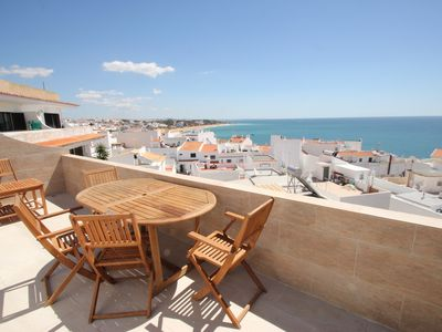 Photo for Fabulous 2 bedroom apartment with air con, wi-fi and stunning sea views