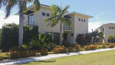 Photo for Luxury 3BD guest-friendly villa in beachfront residence