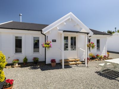 Photo for Duckpool Lodge - Fabulous Family-Friendly Log Cabin Close To Sandy Beaches