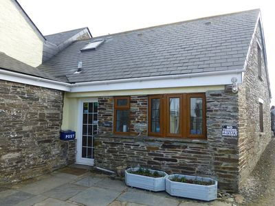 Photo for Cosy pet friendly self catering cottage near to Tintagel