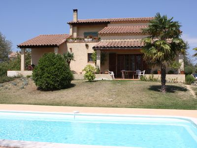 Photo for Villa of character with swimming pool on large ground Détente-Soleil-Calme-Vue
