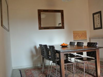 Photo for Pisa City: Charming and spacious flat in tuscan style, free parking, WLan